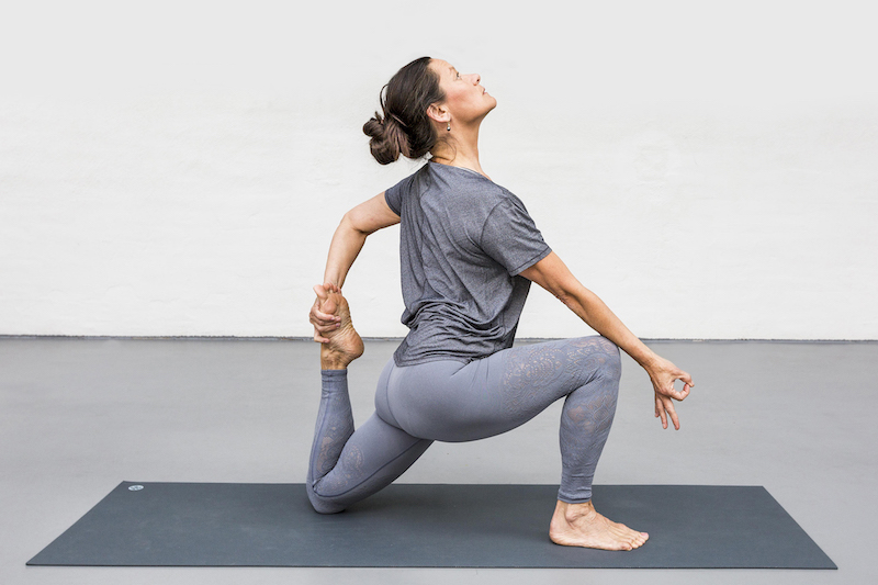 Anoshe Overington | Stillnessinyoga. Crescent Lunge